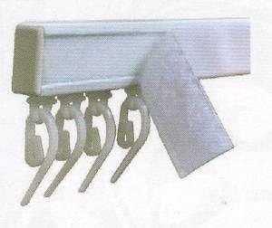 Слип - тип карниз для штор с французскими крючками и с липучкой для крепления ламбрекена с креплениями на заказ шириной 180см